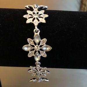 Snowflake silver like bracelet